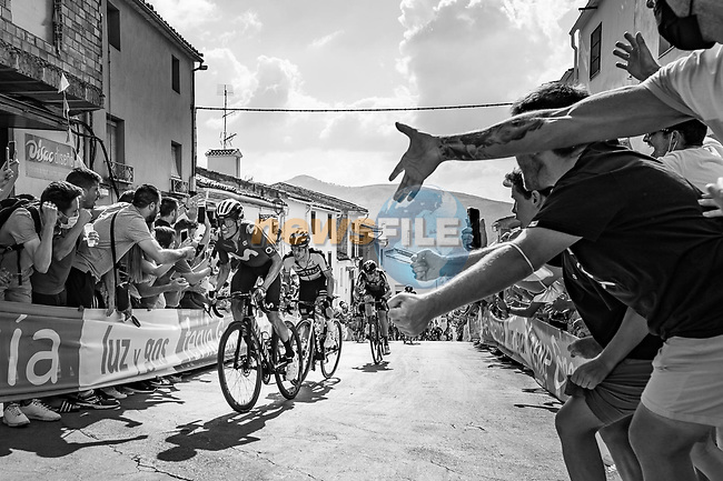 Enric Mas (ESP) Movistar Team and Primoz Roglic (SLO) Jumbo-Visma attack on the final climb during Stage 11 of La Vuelta d'Espana 2021, running 133.6km from Antequera to Valdepeñas de Jaén, Spain. 25th August 2021.     <br /> Picture: Cxcling   Cyclefile<br /> <br /> All photos usage must carry mandatory copyright credit (© Cyclefile   Cxcling)