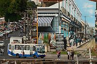 Amanhece em Belém.<br /> <br /> Vista do Forte do Castelo<br /> O município de Belém,  capital do estado do Pará, outrora denominada Santa Maria de Belém do Grão Pará, foi fundada em 12 de janeiro de 1616 pelo capitão Francisco Caldeira Castelo Branco. De acordo com estimativa do censo 2010 do IBGE a cidade  tem hoje  cerca de 1.402.056 habitantes,    distribuídos entre seu núcleo urbano e suas 39 ilhas.  A região Metropolitana de Belém  conta com mais de 2,3 milhões de habitantes, e tem hoje a maior população metropolitana da Amazônia sendo uma das cidades mais antigas da região.  Situada entre a baia do Guajará e o rio Guamá Latitude:01° 23'.6 Sul Longitude: 048° 29'.5 Oeste. <br /> Belém, Pará, Brasil<br /> Foto Paulo Santos<br /> 11//01/2012