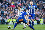 Mateo Kovacic (L) of Real Madrid battles for the ball with Daniel Alejandro Torres Rojas, D Torres, of Deportivo Alaves during the La Liga 2017-18 match between Real Madrid and Deportivo Alaves at Santiago Bernabeu Stadium on February 24 2018 in Madrid, Spain. Photo by Diego Souto / Power Sport Images