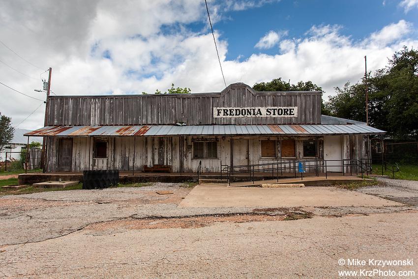 Abandoned Fredonia Store building, Fredonia, TX