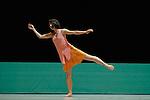 A cet endroit..Pièce pour 15 danseurs - Création 2007..Chorégraphie : Odile Duboc....Musique : Benoît Louette..Scénographie et lumières :..Françoise Michel -..Costumes : Dominique Fabrègue..Quatuor à cordes : Musiciens de l'Opéra de Lyon..Opéra de Lyon - Lyon, France..2008/09/07....Copyright © Laurent Paillier / photosdedanse.com . All rights reserved