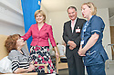 16/08/2010   Copyright  Pic : James Stewart.004_fvrh_nicola_sturgeon  .::  NHS FORTH VALLEY ROYAL HOSPITAL, LARBERT :: NHS FORTH VALLEY CHAIRMAN IAN MULLEN AND SENIOR CHARGE NURSE BARBARA ANN NIVEN INTRODUCE SCOTTISH CABINET SECRETARY FOR HEALTH & WELLBEING TO PATIENT IRENE ASHBY FROM LARBERT ::