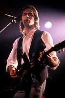 Jean-Jacques Goldman<br /> en spectacle, en 1987 au Spectrum de Montreal<br /> <br /> PHOTO : AGENCE QUEBEC PRESSE