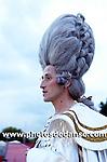 Philippe Decouflé met en scène au Parc de la Villette un défilé de costumes de scènes de l'Opéra de Paris et de la comédie Française à l'occasion des journées du patrimoine 2006