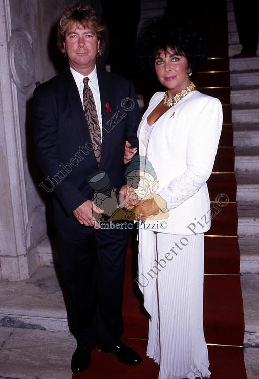 ELIZABETH TAYLOR CON IL MARITO LARRY FORTENSKY<br /> AMFAR FOUNDATION CHARITY GALA PALAZZO VOLPI VENEZIA 1993