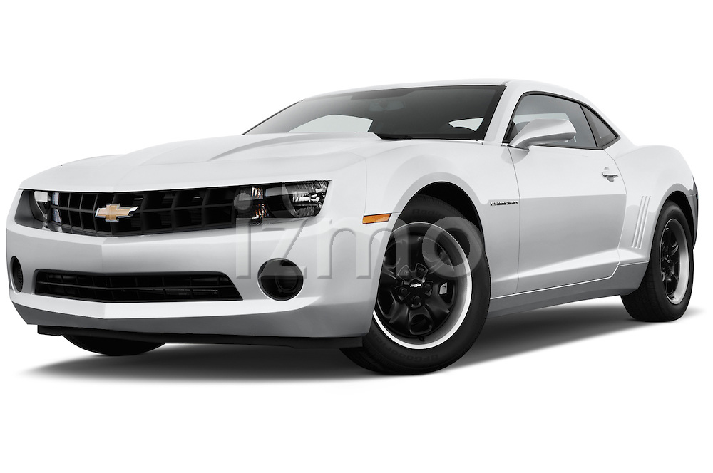 Low aggressive front three quarter view of a .2013 Chevrolet Camaro Coupe 1LS