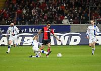 Artur Wichniarek (Bielefeld) im Zweikampf mit Chris (Eintracht)<br /> Eintracht Frankfurt vs. Arminia Bielefeld, Commerzbank Arena<br /> *** Local Caption *** Foto ist honorarpflichtig! zzgl. gesetzl. MwSt. Auf Anfrage in hoeherer Qualitaet/Aufloesung. Belegexemplar an: Marc Schueler, Am Ziegelfalltor 4, 64625 Bensheim, Tel. +49 (0) 6251 86 96 134, www.gameday-mediaservices.de. Email: marc.schueler@gameday-mediaservices.de, Bankverbindung: Volksbank Bergstrasse, Kto.: 151297, BLZ: 50960101