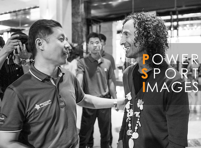 Kenny G arrives at the Mission Hills Celebrity Pro-Am on 23 October 2014, in Haikou, China. Photo by Xaume Olleros / Power Sport Images