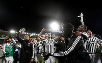 Calcio, Serie A: Fiorentina vs Juventus. Firenze, stadio Artemio Franchi, 24 aprile 2016.<br /> Juventus' players celebrate at the end of the Italian Serie A football match between Fiorentina and Juventus at Florence's Artemio Franchi stadium, 24 April 2016. Juventus won 2-1.<br /> UPDATE IMAGES PRESS/Isabella Bonotto