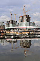 Spiegel Neubau: EUROPA, DEUTSCHLAND, HAMBURG, (EUROPE, GERMANY), 17.08.2010: Ansicht, architecture, architektonisch, architektonische,  Architektur,  Baustelle,  bebaut,  Bebauung, Bebauungs, Bebauungsplaene, Bebauungsplan,  Buerokomplex, building,  buildings,  central,  centre,  Centrum,  City,  city, centre, Cityscape,   Der Spiegel, Elbe.  Fleet,  Gebaeude,  Hafen,  HafenCity,  Hamburg,  Hamburger,  Innenstadt,  Kanaele, Kanal, modern, moderne, modernes, Neubau, Neubauten, Pressegebaeude,  Sitz,  Speicherstadt Spiegel, spiegel, TV, Spiegel-TV,  Spiegel-Verlag , SpiegelTV,  Stadt, Stadtansicht, Staedtebau, Staedteplanung, Staedtetour, Staedtetouren, Verlagsgebaeude, Verlagssitz, zentral, Zentrum, ICE, Oberbaumbruecke, Eisenbahnbruecke,