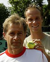 20030605, Paris, Tennis, Roland Garros, Nick Carr de Australische coach, die van Martin verkerk een wereldtopper heeft gemaakt