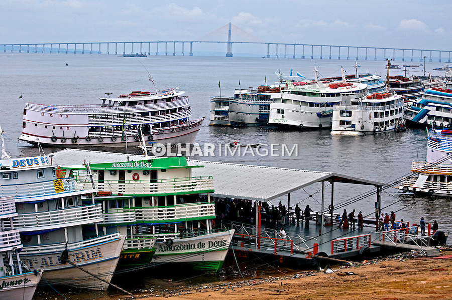 Embarcações no Porto de Manaus. Amazonas. 2011. Foto de Rogerio Reis.