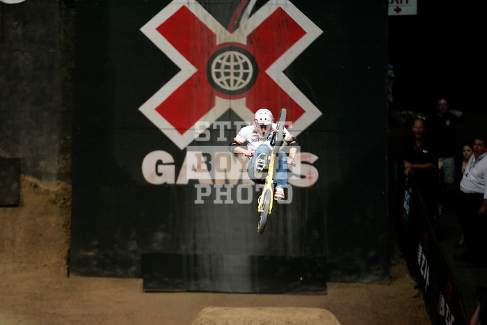 Anthony Napolitan competes in the Bike Dirt finals at the Staples Center during X-Games 12 in Los Angeles, California on August 3, 2006.