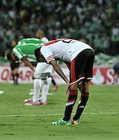 MEDELLIN- COLOMBIA – 03-12-2014: Los Jugadores de Atletico Nacional de Colombia y River Plate de Argentia al termino del partido de ida de la final de la Copa Total Suramericana entre Atletico Nacional de Colombia y River Plate de Argentina en el estadio Atanasio Girardot de la ciudad de Medellin. / The players of Atletico Nacional of Colombia and River Plate of Argentina at the end of a match for the first leg of the final between Atletico Nacional of Colombia and River Plate of Argentina of the Copa Total Suramericana in the Atanasio Girardot stadium, in Medellin city. Photo: VizzorImage / Luis Ramirez/ Staff.