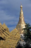 Asie/Birmanie/Myanmar/Yangon: Pagode Paya Shwedagon - Détail du toit