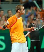 20-9-09, Netherlands,  Maastricht, Tennis, Daviscup Netherlands-France, Thiemo de Bakker  pompt zich op in zijn partij tegen Tsonga