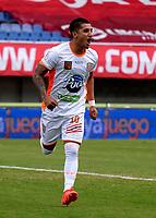 PEREIRA-COLOMBIA, 10–10-2020: Yeison Guzman de Envigado F. C., celebra despues de anotar gol de su equipo, durante partido de la fecha 13 entre Deportivo Pereira y Envigado F. C., por la Liga BetPlay DIMAYOR 2020, jugado en el estadio Hernan Ramirez Villegas de la ciudad de Pereira. / Yeison Guzman of Envigado F. C., celebrates after scoring goal of his team, during match of 13th date between Deportivo Pereira and Envigado F. C., for the BetPlay DIMAYOR League 2020 played at the Hernan Ramirez Villegas in Pereira city. / Photo: VizzorImage / Pablo Bohorquez / Cont.