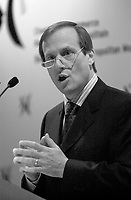 Jan 27 2004, Montreal, Quebec, Canada<br /> <br /> COGECO CEO Louis Audet adress the Montreal Board of Trade, about `` Internet, Pay  Per View Video and Consumers Growing Power ``, January 27 2004, in MOntreal, CANADA<br /> <br /> Mandatory Credit: Photo by Pierre Roussel- Images Distribution. (©) Copyright 2004 by Pierre Roussel <br /> <br /> Wider selection on www.photoreflect.com<br /> event : FINANCE COGECO CEO Audet