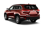 Car pictures of rear three quarter view of 2018 Toyota Highlander SE 5 Door SUV Angular Rear