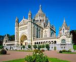 Frankreich, Basse-Normandie, Département Calvados, Lisieux: Basilika Sainte-Thérèse | France, Basse-Normandy, Département Calvados, Lisieux: Basilica of St. Theresa