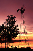 AJ1008, Vermont, windmill, The silhouette of a windmill at [sunrise, sunset] over Keeler Bay on Lake Champlain in South Hero.