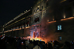 Mexico National Palace set on fire by protesters of 43 students of Guerrero