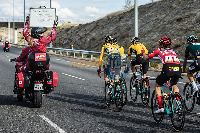Chalkboard message for race winner Primoz Roglic (SLO) Team Jumbo-Visma during Stage 18 of the Vuelta Espana 2020, running 139.6km from Hipódromo de La Zarzuela to Madrid, Spain. 8th November 2020.  <br /> Picture: Unipublic/Charly Lopez   Cyclefile<br /> <br /> All photos usage must carry mandatory copyright credit (© Cyclefile   Unipublic/Charly Lopez)