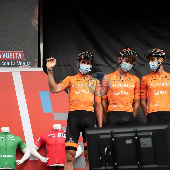 Euskaltel-Euskadi at sign on before the start of Stage 9 of La Vuelta d'Espana 2021, running 188km from Puerto Lumbreras to Alto de Velefique, Spain. 22nd August 2021.    <br /> Picture: Cxcling | Cyclefile<br /> <br /> All photos usage must carry mandatory copyright credit (© Cyclefile | Cxcling)