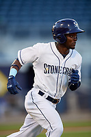 Charlotte Stone Crabs second baseman Vidal Brujan (2) runs to first base during a game against the Bradenton Marauders on August 6, 2018 at Charlotte Sports Park in Port Charlotte, Florida.  Charlotte defeated Bradenton 2-1.  (Mike Janes/Four Seam Images)
