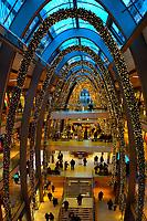 Weihnachtlich dekorierte Europa-Passage: EUROPA, DEUTSCHLAND, HAMBURG, (EUROPE, GERMANY), 10.11.2013: Weihnachtlich dekorierte Europa-Passage, Einkaufszentrum,