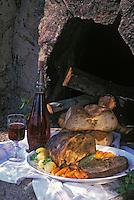 Europe/France/Corse/2A/Corse-du-Sud: poitrine de veau farcie aux châtaignes et verre de vin rouge