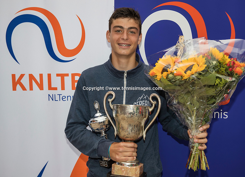 Hilversum, Netherlands, August 13, 2016, National Junior Championships, NJK, Prizegiving, winner boy's  single 14 years : Jesse den Hartog<br /> Photo: Tennisimages/Henk Koster