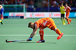 The Hague, Netherlands, June 15: Mink van der Weerden #30 of The Netherlands passes the ball during the field hockey gold match (Men) between Australia and The Netherlands on June 15, 2014 during the World Cup 2014 at Kyocera Stadium in The Hague, Netherlands. Final score 6-1 (2-1)  (Photo by Dirk Markgraf / www.265-images.com) *** Local caption ***