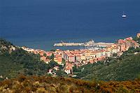 - the Rio Marina village seen from the high....- il paese di Rio Marina visto dall'alto