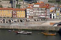 barco rabelo shipping boat cais da ribeira porto portugal