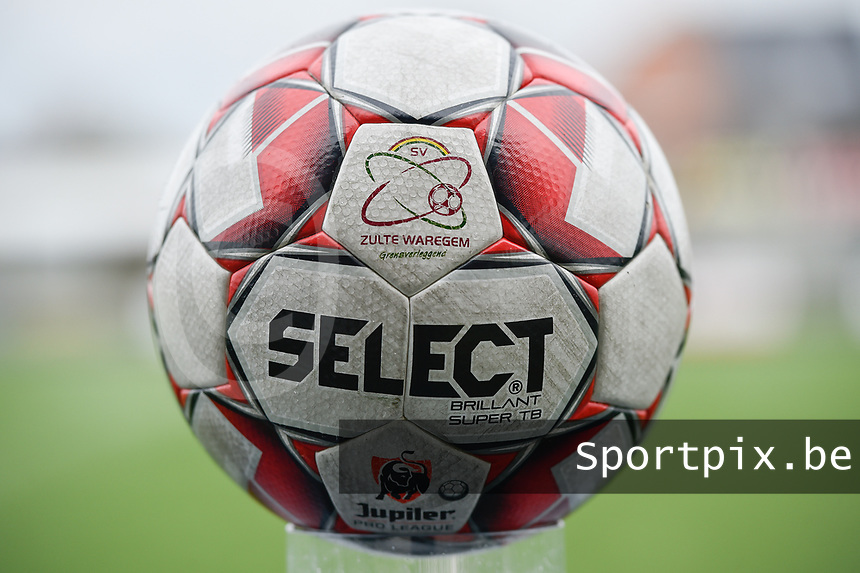 illustration picture of the matchball  pictured during a female soccer game between SV Zulte - Waregem and Club Brugge YLA on the 13 th matchday of the 2020 - 2021 season of Belgian Scooore Womens Super League , saturday 6 th of February 2021  in Zulte , Belgium . PHOTO SPORTPIX.BE | SPP | DIRK VUYLSTEKE