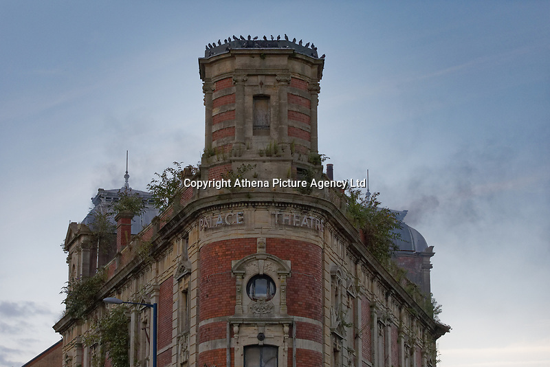 Pictured: Smoke seen coming out of the Palace Theatre. Sunday 08 September 2019<br /> Re: Fire service and police attend a fire at the Palace Theatre, a dilapidated building in the High Street of Swansea, Wales, UK.