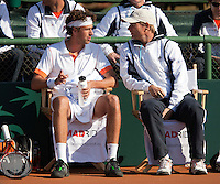 08-07-11, Tennis, South-Afrika, Potchefstroom, Daviscup South-Afrika vs Netherlands, Robin Haase op de bank mat Captain Jan Siemerink(R)