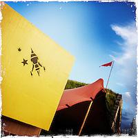 """Fusion-Festival 2014 auf dem Gelaende des Kulturkosmos e.V. in Laerz/Mecklenburg-Vorpommern.<br /> Bis zu 65.000 Menschen kommen jaehrlich fuer 5-6 Tage  zur """"Fusion"""" nach Laerz.<br /> Das linke Festival, was von den Besuchern und Machern scherzhaft auch als """"Ferienkommunismus"""" bezeichnet wird, ist eine Mischung aus Techno-Dancefloors, Theater und Live-Auftritten von politischen Bands.<br /> Die Karten fuer dieses Festival sind nur ueber die Fusion-Internetseite per Losverfahren zu kaufen. Nur ca. jede dritte bis vierte Anmeldung fuer eine Karte hat Erfolg.<br /> Im Bild: Die Fusion-Rakete ist das Wahrzeichen des Festival.<br /> 30.6.2014, Laerz<br /> Copyright: Christian-Ditsch.de<br /> [Inhaltsveraendernde Manipulation des Fotos nur nach ausdruecklicher Genehmigung des Fotografen. Vereinbarungen ueber Abtretung von Persoenlichkeitsrechten/Model Release der abgebildeten Person/Personen liegen nicht vor. NO MODEL RELEASE! Don't publish without copyright Christian-Ditsch.de, Veroeffentlichung nur mit Fotografennennung, sowie gegen Honorar, MwSt. und Beleg. Konto: I N G - D i B a, IBAN DE58500105175400192269, BIC INGDDEFFXXX, Kontakt: post@christian-ditsch.de<br /> Urhebervermerk wird gemaess Paragraph 13 UHG verlangt.]"""