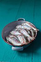 Gastronomie générale:  Rougets barbets - En septembre, octobre on pêche les petits rougets-barbet appelés rougets vendangeurs. - Stylisme : Valérie LHOMME