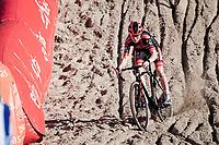 Fem Van Empel (NED/Pauwels Sauzen - Bingoal) in the infamous Zonhoven 'Pit'<br /> <br /> Elite Women's Race<br /> 2021 UCI cyclo-cross World Cup - Zonhoven (BEL)<br /> <br /> ©kramon