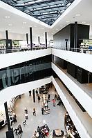 Nederland  Almere 2017. Interieur van de Bibliotheek in het Stadshart.   Foto Berlinda van Dam / Hollandse Hoogte