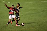 Volta Redonda (RJ), 01/05/2021 - VOLTA REDONDA-FLAMENGO - Matheuzinho (e), do Flamengo. Partida entre Volta Redonda e Flamengo, válida pela semifinal do Campeonato Carioca, realizada no Estádio Raulino de Oliveira, em Volta Redonda, neste sábado (01).