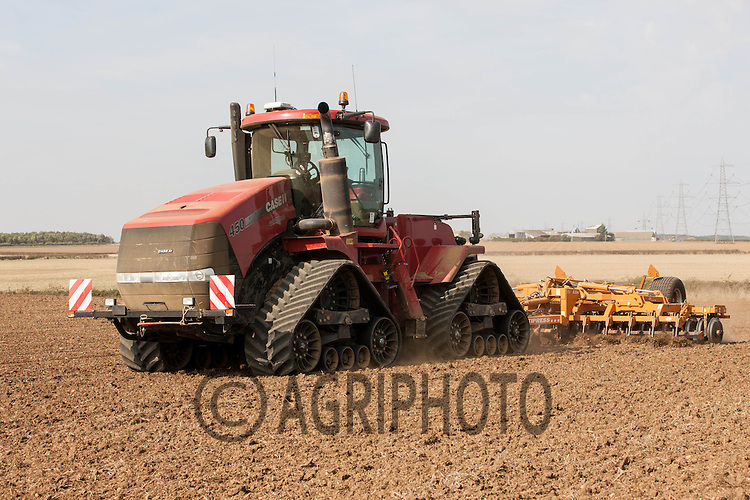 Case quadric and Simba Cultipress working land down ready for drilling Winter Barley<br /> Picture Tim Scrivener 07850 303986