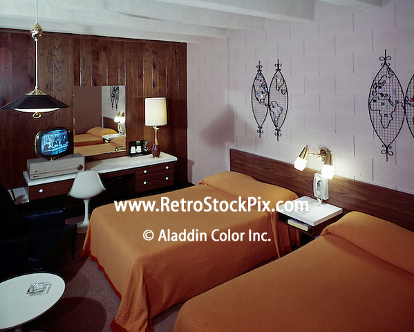 Airport Motor Inn, Norfolk, VA.<br /> 1950's Retro Motel Room with a Black & White TV.