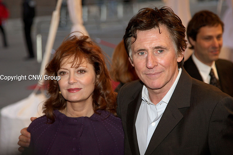 Susan Sarandon and Gabriel Byrne on the red carpet at Roy Thompson Hall for the world premiere of Emotional Arithmetic, at the Toronto International Film Festival on September 15, 2007. (CNW Group/VISA Canada)