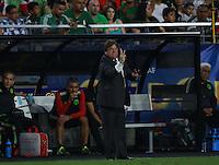 Miguel Herrera DT de Mexico    ,durante partido entre las selecciones de Mexico y Guatemala  de la Copa Oro CONCACAF 2015. Estadio de la Universidad de Arizona.<br /> Phoenix Arizona a 12 de Julio 2015.