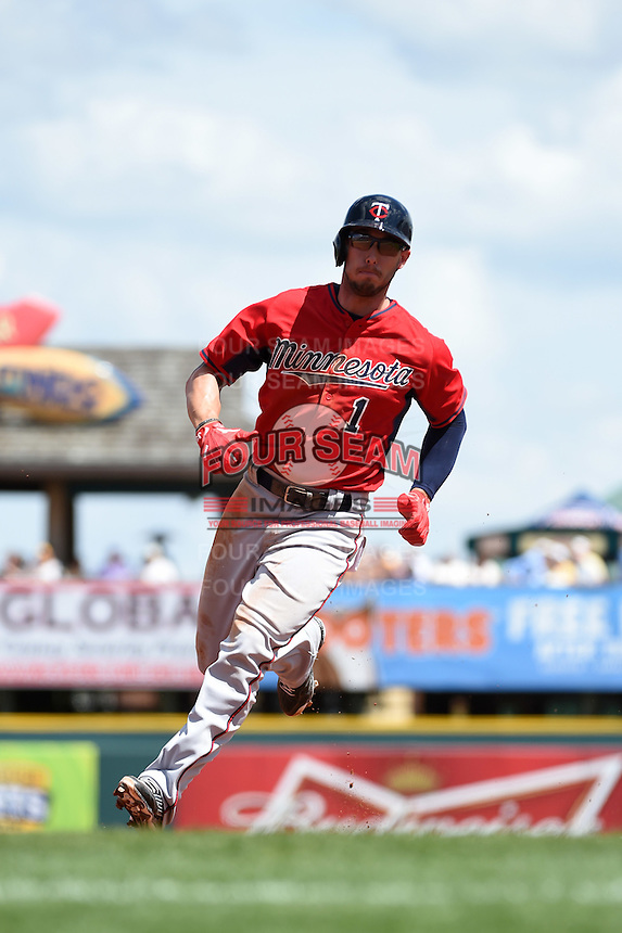 Minnesota Twins outfielder Jordan Schafer (1) during a Spring Training game against the Pittsburgh Pirates on March 13, 2015 at McKechnie Field in Bradenton, Florida.  Minnesota defeated Pittsburgh 8-3.  (Mike Janes/Four Seam Images)