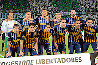 MEDELLÍN - COLOMBIA - 19-05-2016: Los jugadores de Rosario Central, posan para una foto, durante partido de vuelta entre Atletico Nacional de Colombia y Rosario Central de Argentina, partido de cuartos de final, de la Copa Bridgestone Libertadores 2016 jugado en el estadio Atanasio Girardot de la ciudad de Medellín. / The players of Rosario Central, pose for a photo during a match between Atletico Nacional of Colombia and Rosario Central of Argentina, for the second leg for de quarter of final, for the Copa Bridgestone  Libertadores 2016 at Atanasio Girardot in Medellin city / Photo: VizzorImage / Leon Monsalve / Cont.