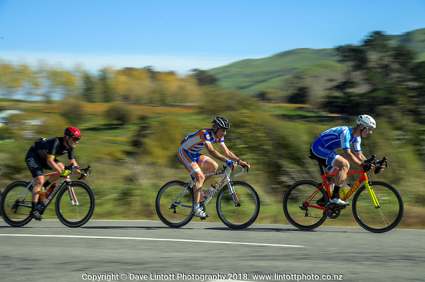 Martinborough - Gladstone - Millars Road circuit Masters men's race on day two of the 2018 NZ Age Group Road Cycling Championships in Carterton, New Zealand on Saturday, 21 April 2018. Photo: Dave Lintott / lintottphoto.co.nz